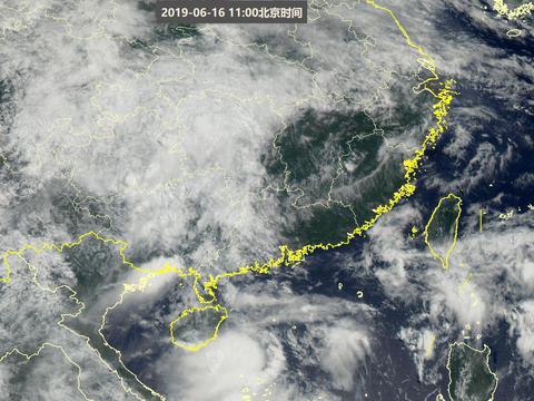"""海南旁突现""""台风""""?权威天气图:是季风云团,南方暴雨前兆!"""