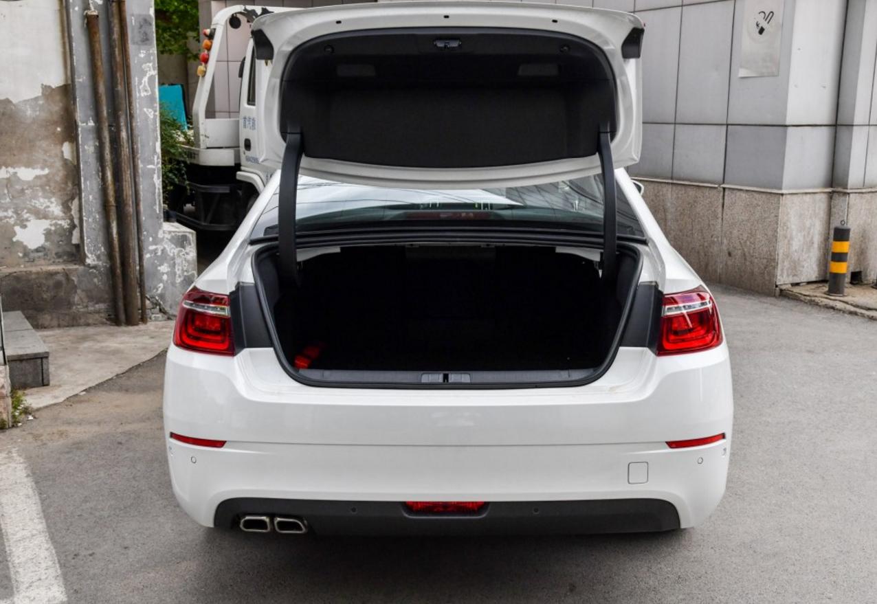 很少有人批评的B级车,配1.8T+8AT质量稳定,却没雅阁人气高