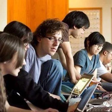 50年间,美国大学热门专业发生了哪些变化?STEM专业还是最佳选择吗?