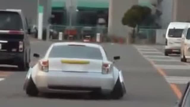 十大外倾角汽车,这样真的好么,随时会趴下的节奏