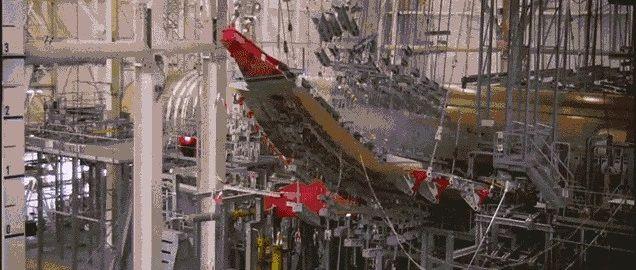 飞机机翼能弯曲到什么程度?