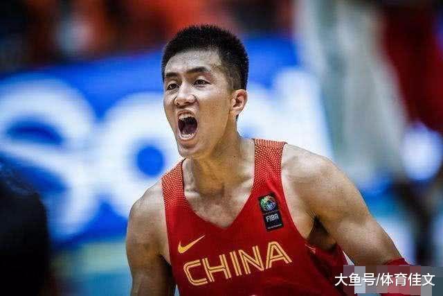 郭艾伦因跑男再登上热搜榜,瞬间涨粉4万,成CBA人气最高球员