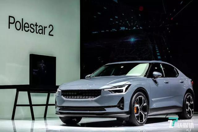 Polestar 2全球首批车型CES亮相,除了设计这个车内系统太特别