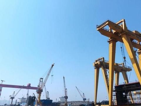 解船企难题 浙大海洋学院研制出除锈爬壁机器人