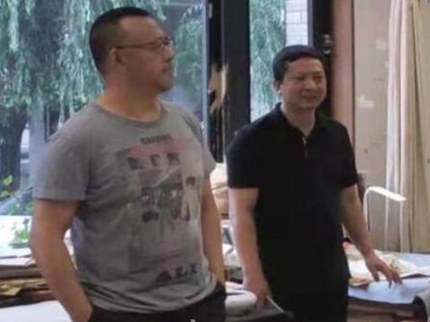姜文近照,56岁身材发福大肚腩与荧幕形象反差太大!