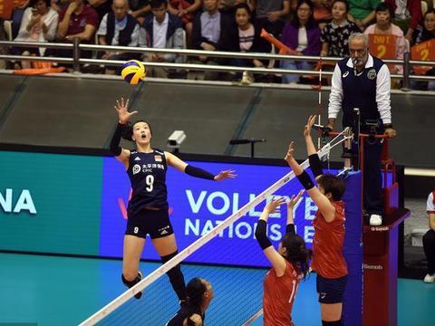 中国女排再出高材生,赛场上神勇归来的她,竟然还考上名校研究生