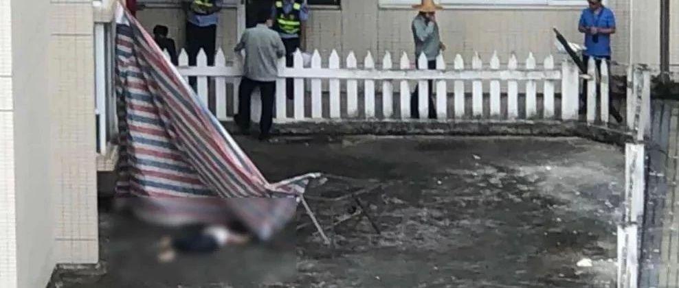 现场已封锁!中山今天一住宅小区有女子坠楼身亡,疑因为…
