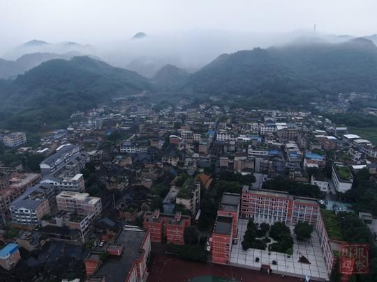 四川省应急管理厅:长宁地震12名遇难者名单公布