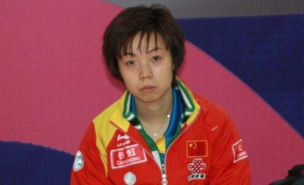 18岁女乒小将从容夺冠,全程冷漠脸像极了大魔王张怡宁!