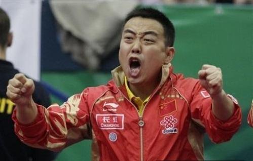 国乒带5冠启程!马龙受女粉青睐,被问血型,陈梦、刘诗雯都笑了