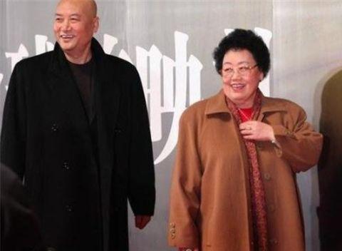 中国最富老太太,年纳税额高达30亿,她座驾的车牌都很特别