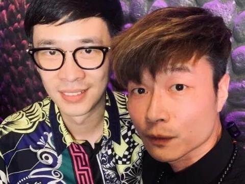 帝师晒与唐家三少合影,被网友纷纷吐槽:P图小王子?