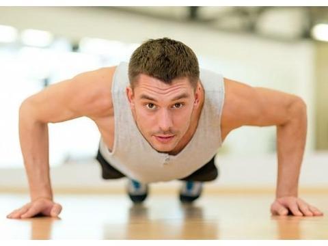 没时间去健身房? 只要掌握方法,选对器材,在家照样练出好身材