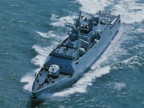 关键时刻,中国新式战舰现身黄岩岛海域,针对目标并不是菲律宾