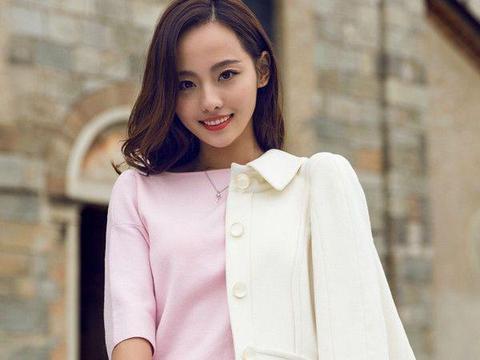 """31岁张嘉倪穿搭太""""甜""""了,减龄风格单品搭配自如,少女心满满"""