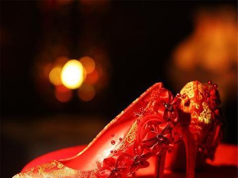 心理测试:凭感觉选择一款婚鞋,秒测你的真爱什么时候才出现