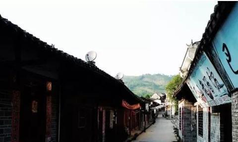 冷门小众旅游:熨斗古镇,巡检镇,凤堰古梯田,波浪谷奇观