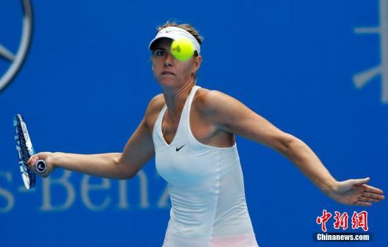 莎拉波娃复出首秀告捷 晋级马洛卡网球公开赛次轮