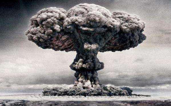 核武器还能这么用?3万吨当量扑灭油田大火 建造大型工程屡试不爽