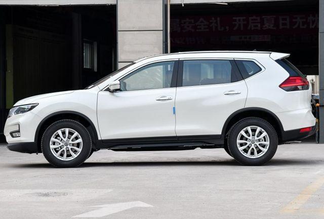 2019日产奇骏到店实拍,满足国六标准,二十万级SUV标杆