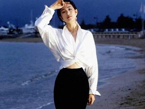"""中国女星那么多称""""皇""""唯有她,最传奇的演员巩俐"""