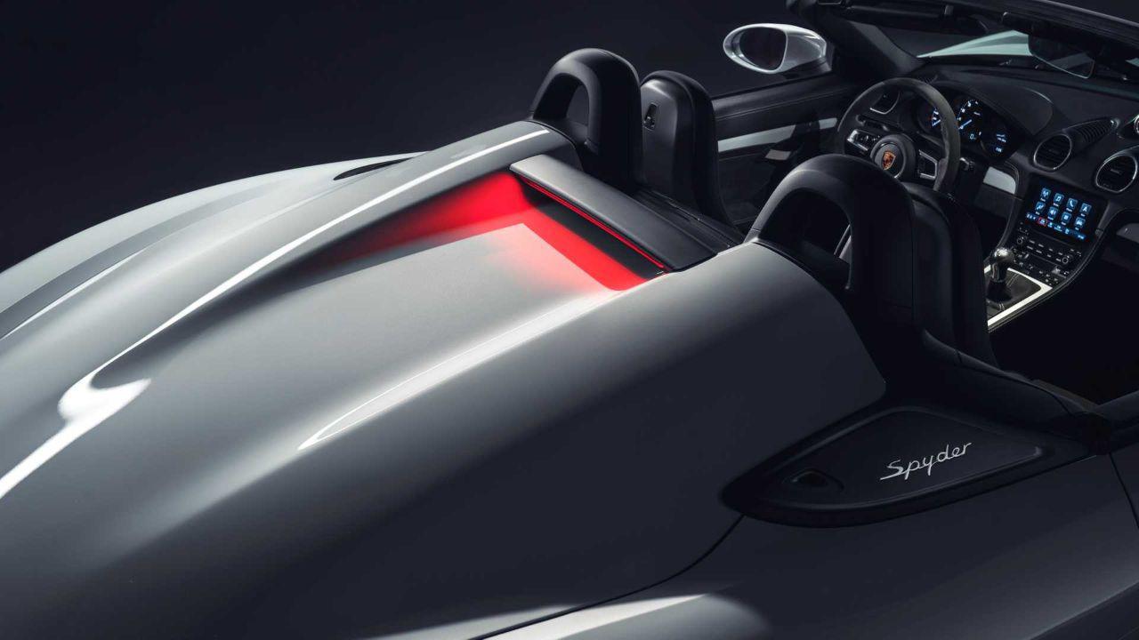 保时捷发布718 Cayman GT4/Spyder官图 保留手挡和六缸自吸引擎