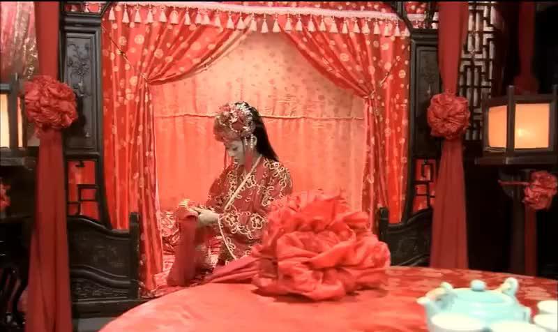 小金莲下嫁给大郎,新婚之夜就让他吃闭门羹,大郎注定没好日子过