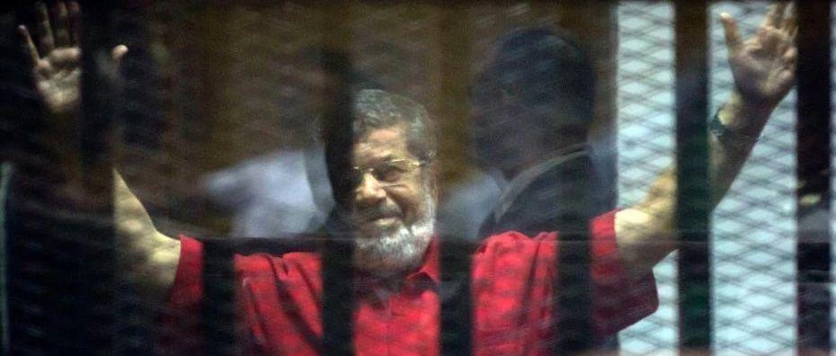 埃及这位前总统在庭审时身亡,政治旋涡中走完一生……