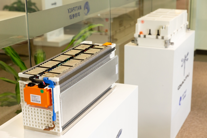 如何在一款超跑上打造安全的电池组?