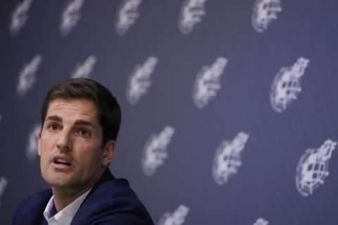 谁是西班牙队新教练?罗伯特莫雷诺