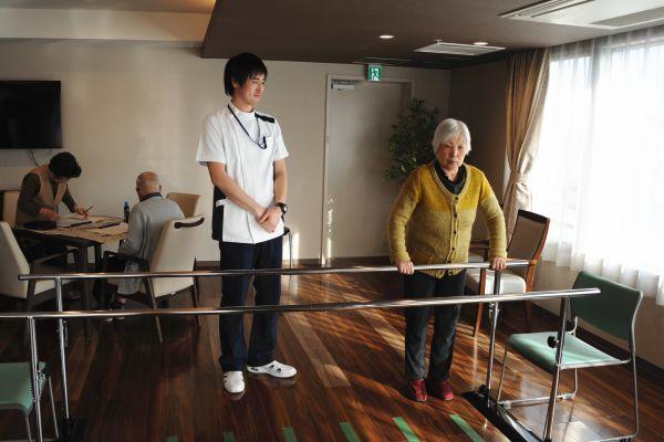 报告显示日本养老金或藏巨大缺口 安倍:消息不实且具有误导性