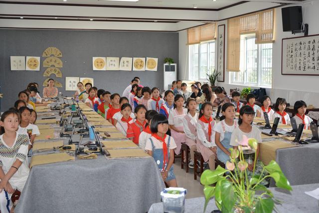 周鑫名师工作室书法教学研讨交流活动在安徽阜南城关黄寨小学举行