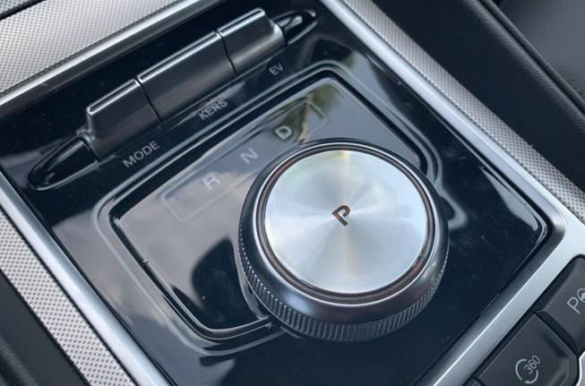 想选一辆操控拔尖的新能源轿跑?先来试驾2019款名爵6新能源