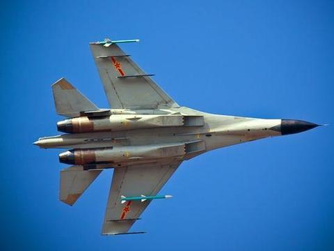 歼-16是沈飞以歼-11为基础研发的,第四代双座双发多用途战机