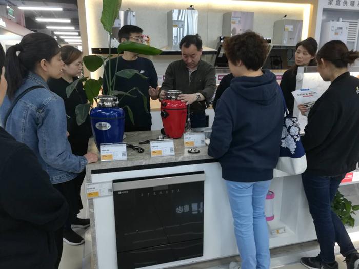 《上海市生活垃圾管理条例》实施在即,上海人热购垃圾处理器