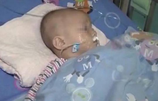 1岁宝宝多个器官衰竭,抢救无效死亡,真相却是宝妈亲手害了孩子