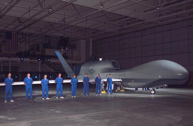 伊朗红旗-2导弹接通保险 美军战机敢越界就开火 俄:先打下来再说