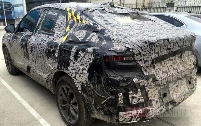 量产版曝光,国产雷诺ARKANA轿跑SUV路测