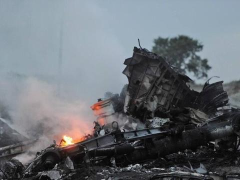 调查组确认马航MH17被击落将向全球发出通缉令,幕后黑手被起诉