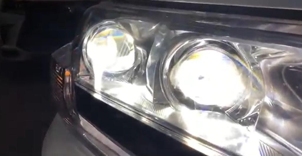 与雷克萨斯LX570相同动力 2019款丰田陆巡VXR5700到店实拍