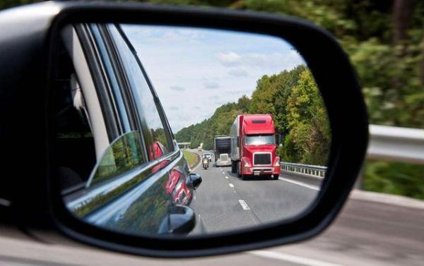 真正会开车的人,都会有这几个开车好习惯,来看看你占了几条?