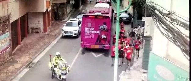 南宁3辆公交车将140名考生送错考点 关键时刻他们来了
