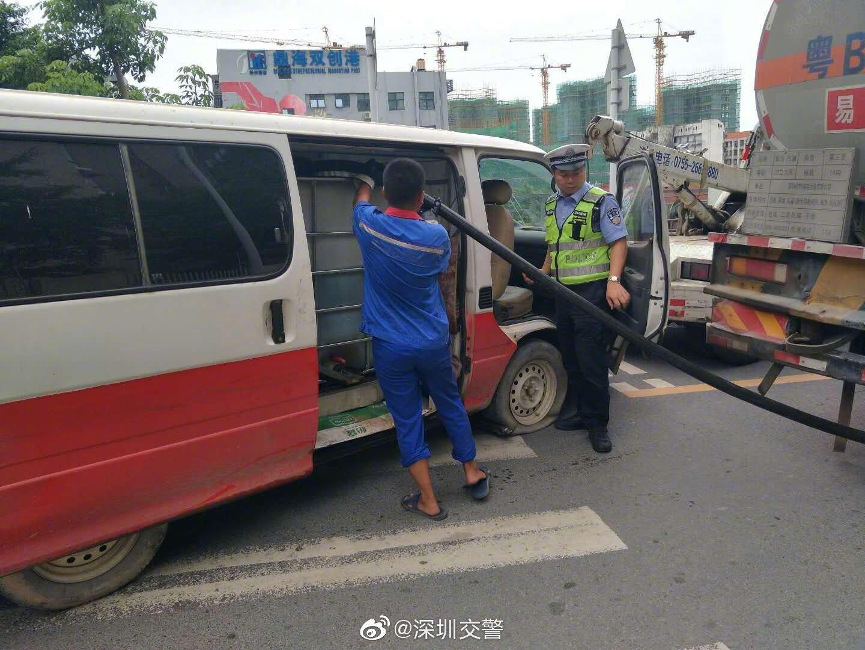 民警巡逻遇可疑车辆 一查竟是黑油窝点