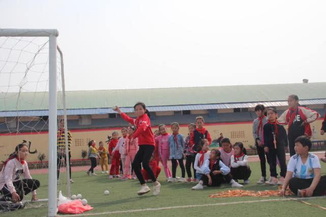 加油!运动健儿们—管城区野曹小学举办春季田径运动会