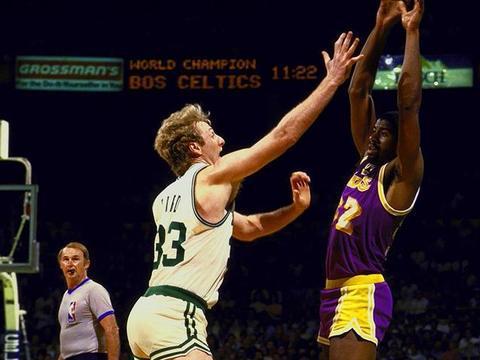 大鸟伯德:勇士让篮球进步,以前不防3分,克莱刷新投篮观念