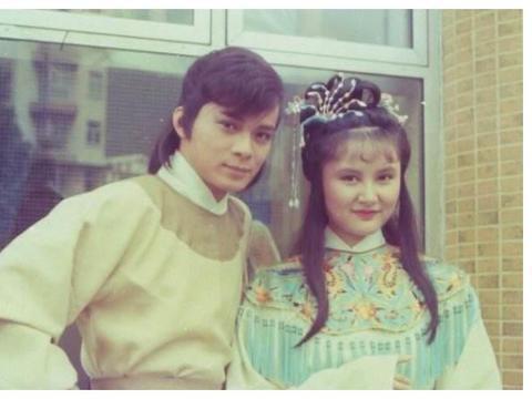 57岁景黛音结婚32年幸福依旧,曾与刘嘉玲曾华倩并称古装三美人