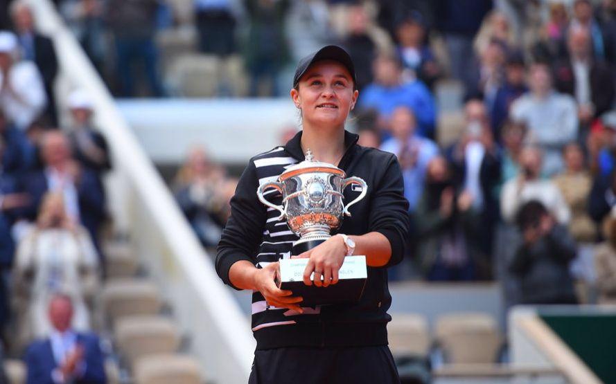 从壁球转行网球的板球运动员,如今加冕WTA后冠