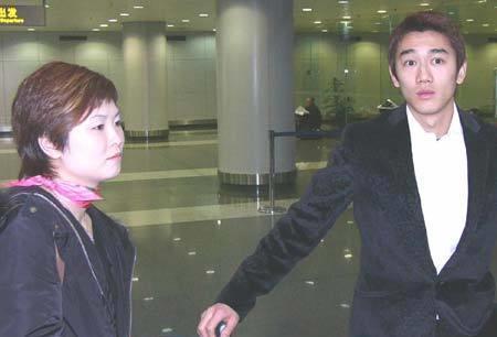 乒乓美女世界冠军与国足帅哥姐弟恋轰动一时,曾搭档刘国梁夺冠