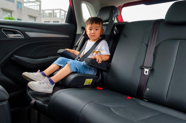 荣威RX3的以小博大:定制安全座椅、升级国六还降价|车壹条