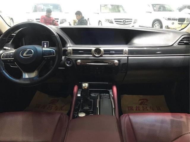 最惨雷克萨斯车型,和锐志、皇冠同平台,比ES更运动!